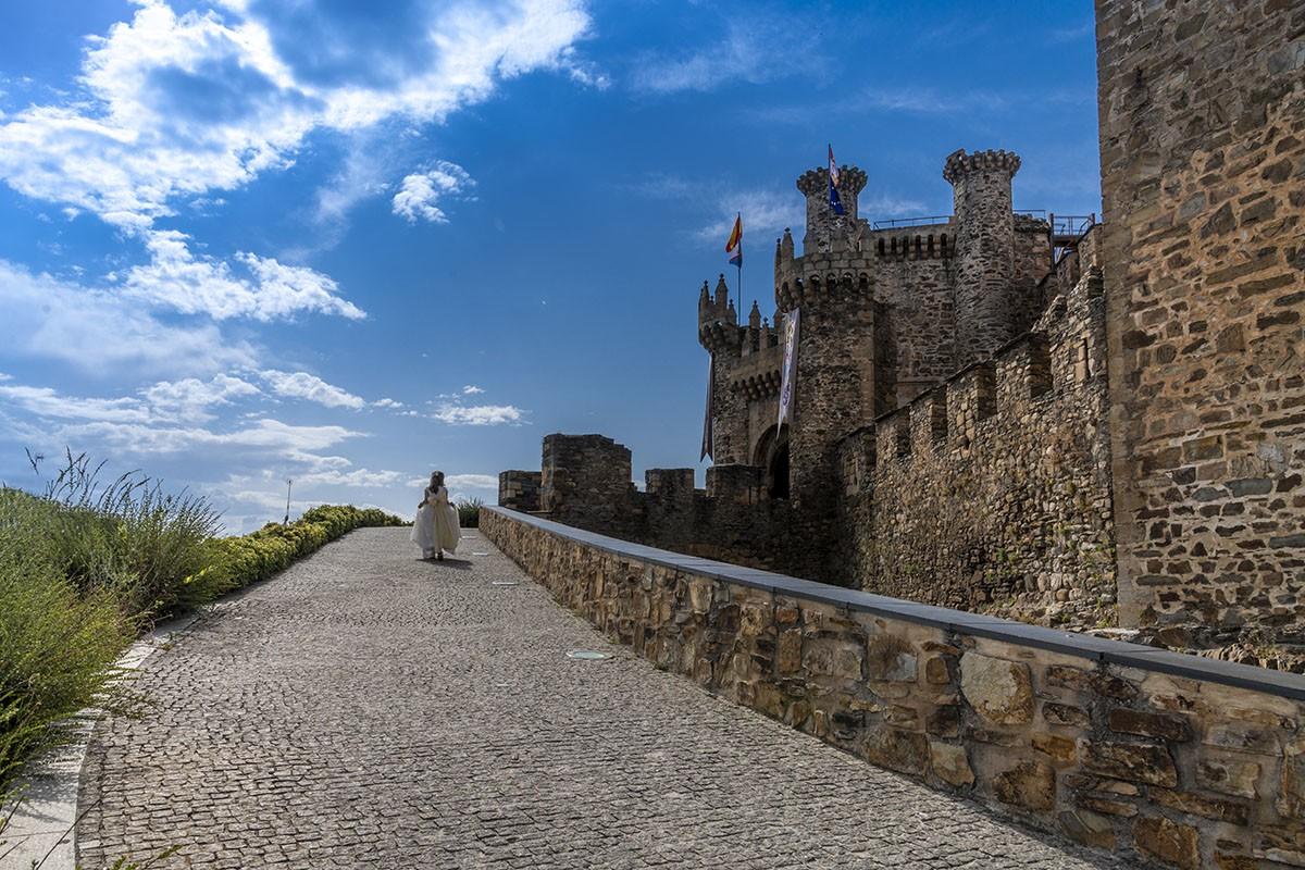 fotógrafo comunión Ponferrada castillo templarios entrada