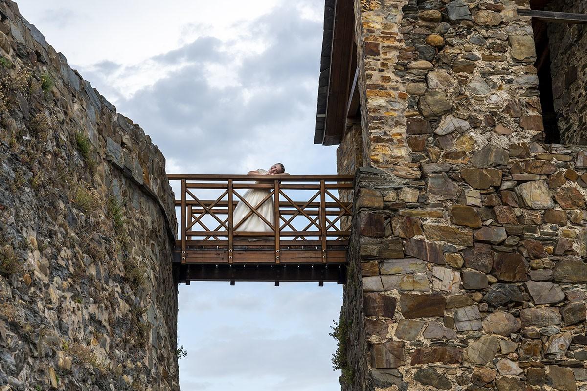 fotógrafo comunion ponferrada castillo templario primera comunion Paula